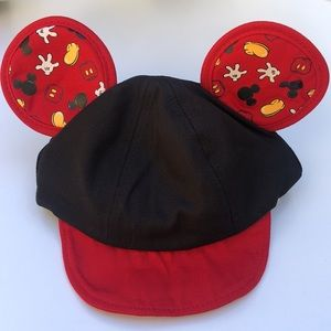 NWT DISNEY PARKS Mickey Mouse Infant Hat with ears